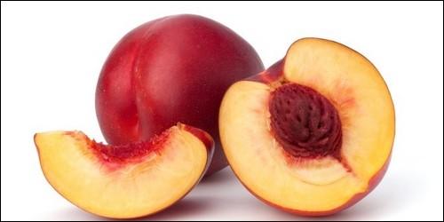 A quelle variété de fruit le brugnon appartient-il ?