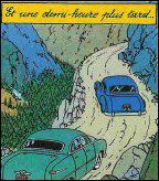Objectif lune : Tout au long du trajet de l'aéroport à l'usine, Tintin et Haddock sont suivis par une voiture.À qui appartient-elle ?