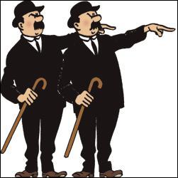 Après les évènements de la nuit, les Dupondt sont arrêtés par méprise.Avec quel costume arrivent-ils dans la salle de l'entretien ?