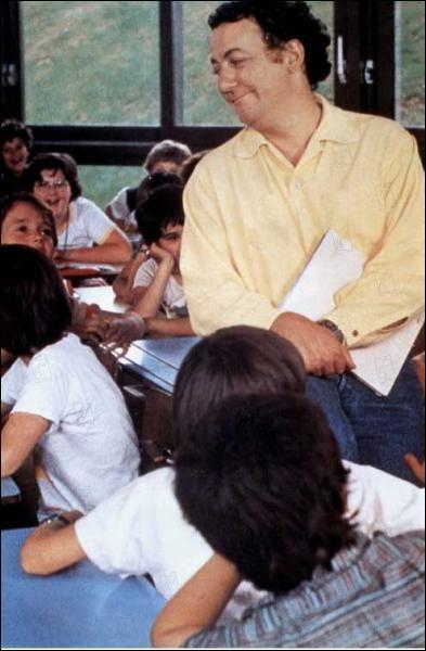 Quel nom porte-t-il dans ' Le Maître d'Ecole' ?