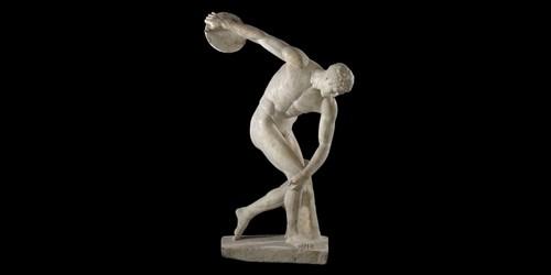 Comment s'appelle la statue grecque qui représente un athlète s'apprêtant à jeter un disque ?