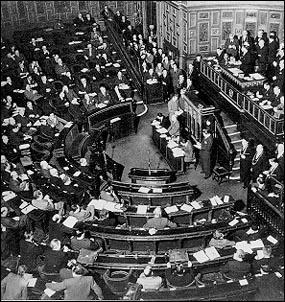 Actuellement, sur 343 sénateurs, combien sont des femmes ?