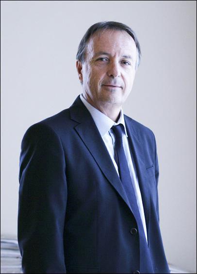 Jean-Pierre Bel, le président du groupe socialiste au Sénat, n'a jamais été :