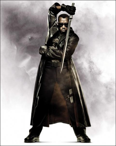 Et pour terminer, dans quel film Wesley Snipes joue-t-il un demi-vampire stylé, expert au maniement de l'épée ?