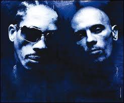 Quel groupe de rap français a été condamné pour ses chansons dénonçant les dérives policières ?
