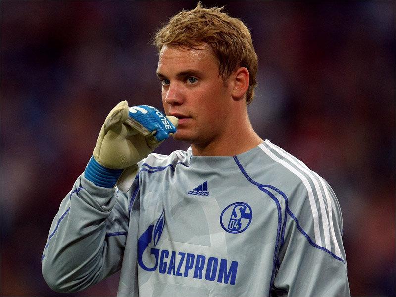 Manuel Neuer quitte Schalke 04 pour :