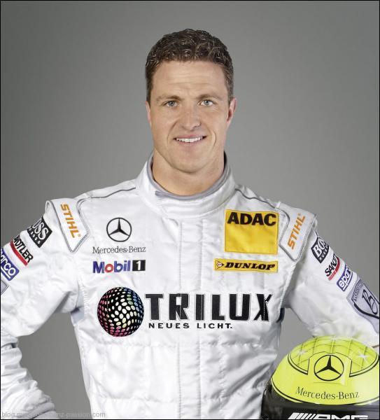 Il a participé à plus de 180 Grands Prix ... .