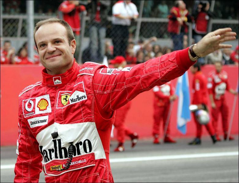 Il a participé à plus de 300 Grands Prix ... .