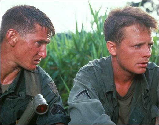 Dans quel film de De Palma situé pendant la guerre du Vietnam est-il scandalisé par le viol d'une villageoise par les soldats de sa compagnie ?