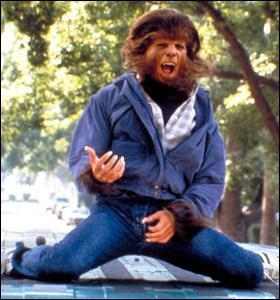 Dans quel film est-il un adolescent mal dans sa peau qui découvre subitement qu'il est en réalité un loup-garou ?