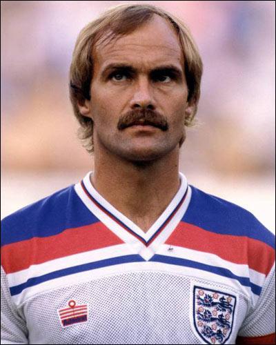 Joueur majeur de la période dorée d'Ipswich Town, international et capitaine de l'Angleterre, il souleva la Coupe UEFA 1981…
