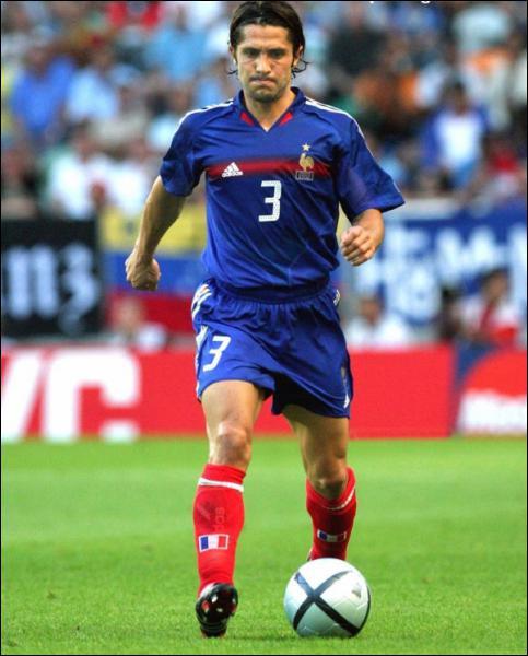 Successeur du précédent en équipe de France, il a promené son mètre 69 sur le côté gauche des Bleus de l'Euro 96 à l'Euro 2004…