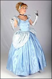 Qui est cette princesse prête à aller au bal ?