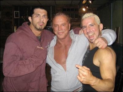 Le 16 janvier 2009, le lutteur indépendant Paul E. Normous décède à l'âge de 33 ans. Dans quel film a-t-il joué ?