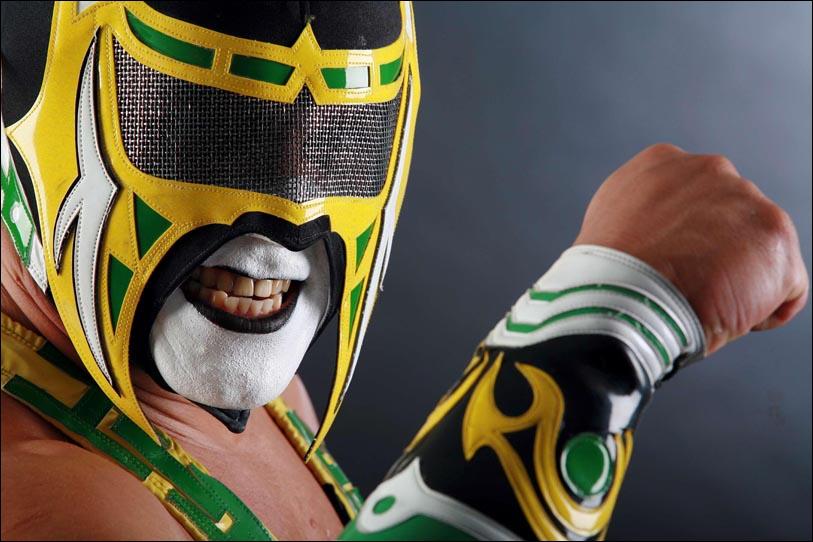 Le même jour, on retrouve le corps sans vie d'Abismo Negro, lutteur AAA ayant fait une brève apparition à la TNA. Comment est-il décédé ?