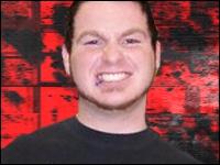 Le 16 septembre 2009, Matt Lowry succombe à une rupture d'anévrisme après son entraînement. Dans quelle fédération travaillait-il ?