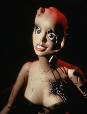 Dans ce long-métrage, elle prête sa voix aux Gwendy Dolls, des poupées déformées. De quel film s'agit-il ?