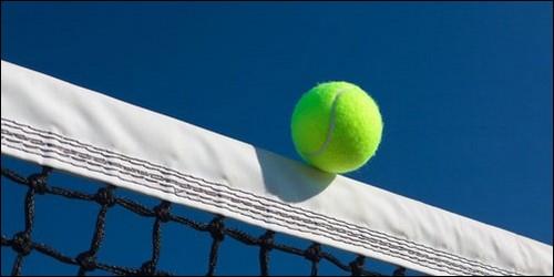 Au tennis, que peut-on crier lorsque la balle touche le filet ?