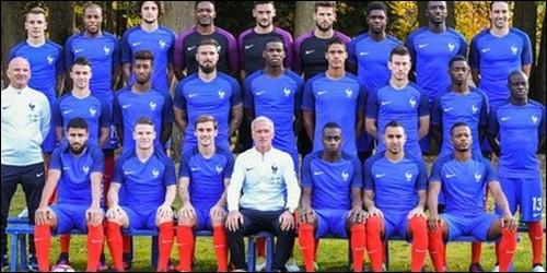 Combien y a-t-il de joueurs dans une équipe de football ?