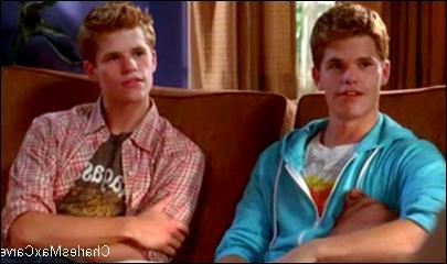 A qui sont ces jumeaux,