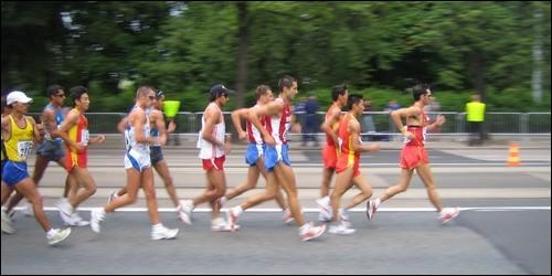 La marche est un sport olympique.