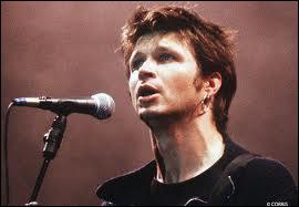 Qui est le chanteur du groupe de rock français 'Noir Désir' formé en 1980 et séparé en 2010 ?