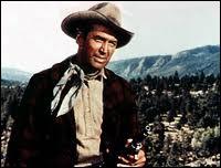 Il a joué dans 'La conquête de l'Ouest' et 'Winchester 73'. Quelle légende d'Hollywood a reçu un oscar d'honneur pour l'ensemble de sa carrière en 1985 ?