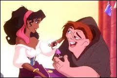 De qui Quasimodo est-il amoureux ?