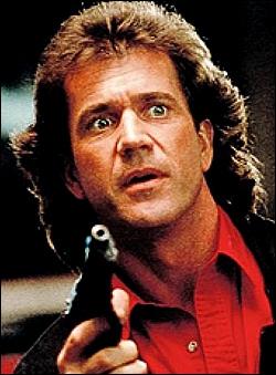 Mel Gibson avait une coiffure à la mode en 1987 ; aujourd'hui, on ne peut pas s'empêcher de pouffer de rire devant ces photos. C'est dans :