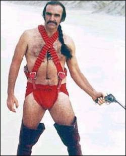 Sean Connery aurait bien mérité l'Oscar de la coiffure la plus ridicule au monde (en plus du costume, d'ailleurs). Dans quel film ?