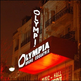 Quel chanteur français s'est produit à l'Olympia 118 fois en 6 mois lors de l'année 1995 ?