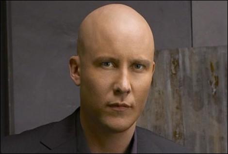Pourquoi Lex Luthor est-il chauve ?