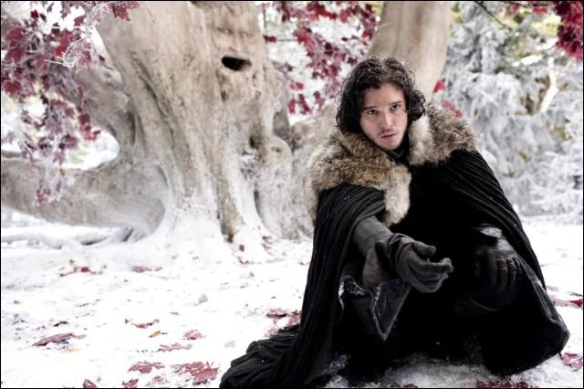 Jon Snow, avant de rejoindre la garde de nuit, offre un cadeau à Arya stark, mais lequel ?