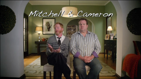 Comment s'appelle l'enfant adoptif de Mitchell et de Cameron ?