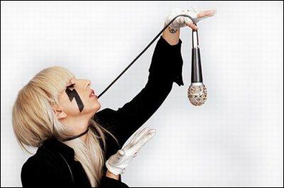 Quand la carrière de Lady Gaga comme chanteuse a-t-elle débutée ?
