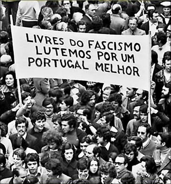 Que s'est-il passé le 25 avril 1974 ?