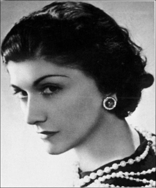 Couturière française (1883 - 1971), c'est :