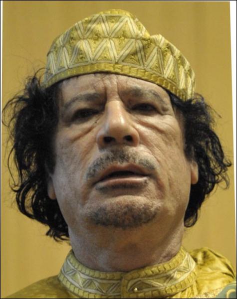Chef d'Etat libyen (1942 - 2011), c'est :
