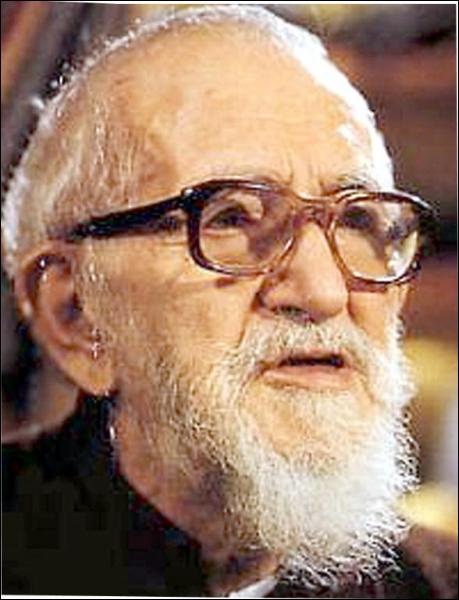 Prêtre engagé (1912 - 2007), c'est :