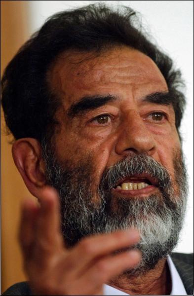 Homme d'État irakien (1937 - 2006), c'est :