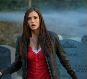 Avec combien de garçons Elena est-elle sortie ?