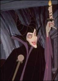 Pourquoi la 'Fée Carabosse' lance-t-elle un sort à la Belle au Bois dormant ?
