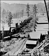 Au mépris du traité, des colons se ruent en masse dans la région . Quel type de gisement des prospecteurs avaient-ils découvert sur les terres sacrées des Indiens ?