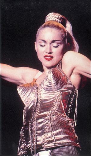 Couturier provocateur, j'ai fait porter à Madonna des 'seins pointus', je suis