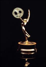 Quel mois de l'année les Emmy Awards sont-ils remis à New York ?