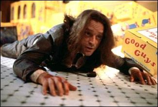 Quel est le nom du tueur en série qui possède la poupée Chucky dans le film du même nom ?