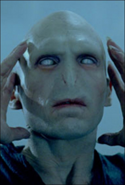 Qui fait revenir Voldemort du chaudron ?