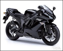 Quelle est cette marque de moto ?