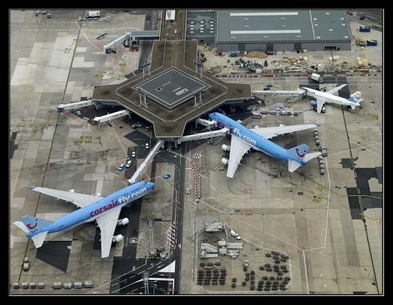Quel aéroport parisien a été chanté par Jacques Brel ?