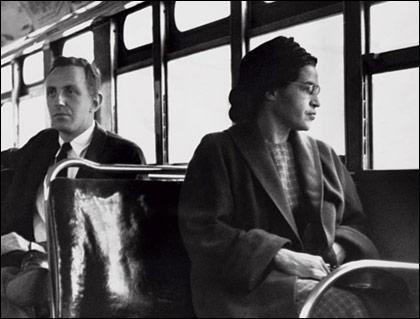Cette jeune femme a refusé de céder son siège à un homme blanc, elle est devenue célèbre pour ça. Son prénom vous donnera le titre d'une chanson de Jacques Brel.
